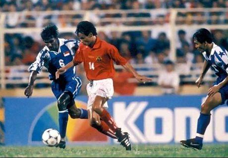 Tiger Cup 1998: Giai dau tiec nuoi nhat cua bong da Viet Nam - Anh 1