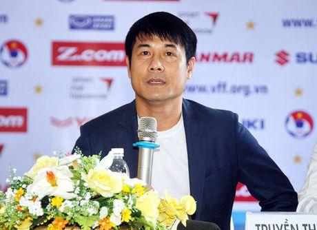 HLV Huu Thang noi gi truoc tran gap CLB Avispa Fukuoka FC? - Anh 1