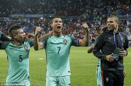 Cristiano Ronaldo muon Real chieu mo dong doi tre o Bo Dao Nha - Anh 1
