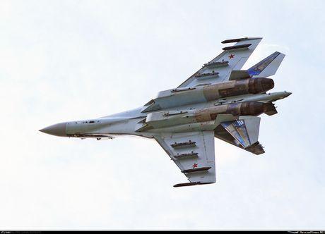 Theo doi phi cong Trung Quoc bay Su-35 o Nga - Anh 1