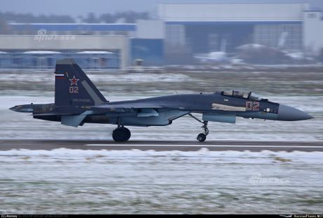 Theo doi phi cong Trung Quoc bay Su-35 o Nga - Anh 3