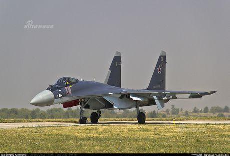 Theo doi phi cong Trung Quoc bay Su-35 o Nga - Anh 5
