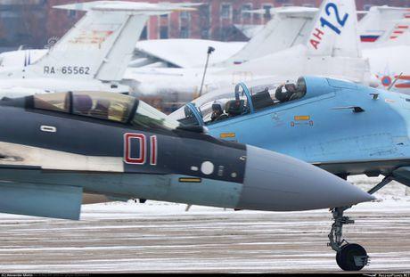 Theo doi phi cong Trung Quoc bay Su-35 o Nga - Anh 7