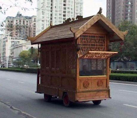 Sieu xe go co mot khong hai tren duong pho Trung Quoc - Anh 1