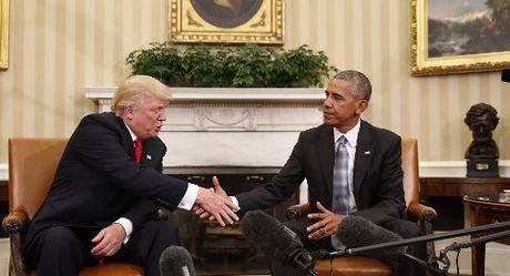Trump, Obama quay ngoat thai do ve nhau - Anh 1