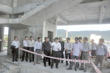 Kiem tra tien do xay dung cong trinh Nha trung bay Hoang Sa - Anh 1