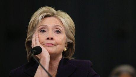 Truoc khi ong Trump nham chuc, ba Clinton van con co hoi lat nguoc ket qua - Anh 1