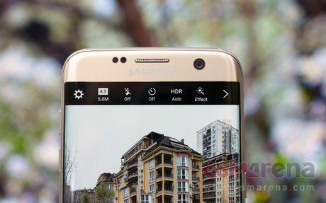 Hai phien ban Galaxy S8 se co kich thuoc lon hon so voi Galaxy S7 - Anh 1