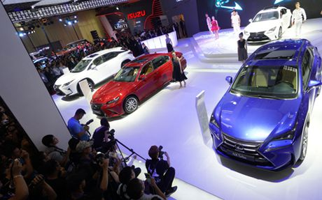 Toyota ban hang ky luc tai Viet Nam - Anh 1