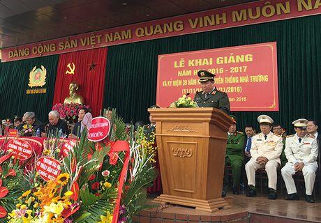 Truong Trung cap Canh sat vu trang Khai giang nam hoc moi - Anh 1