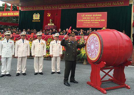 Truong Trung cap Canh sat vu trang Khai giang nam hoc moi - Anh 2