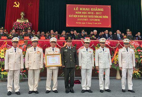 Truong Trung cap Canh sat vu trang Khai giang nam hoc moi - Anh 3