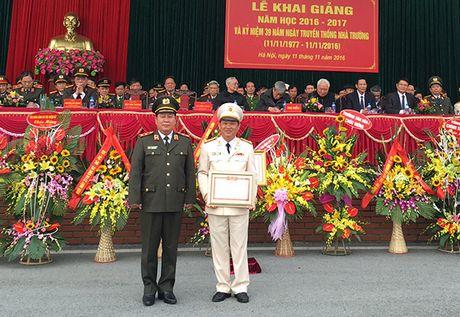 Truong Trung cap Canh sat vu trang Khai giang nam hoc moi - Anh 5