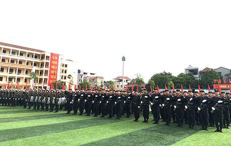 Truong Trung cap Canh sat vu trang Khai giang nam hoc moi - Anh 9