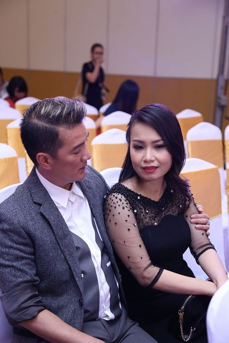 Cam Ly khoc voi Mr Dam sau khi bi che trach o Tuyet dinh song ca - Anh 2