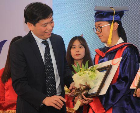 Xuc dong le trao hoc bong 'Nang buoc thu khoa' - Anh 2