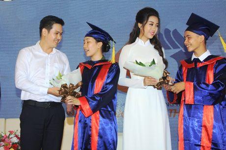 Xuc dong le trao hoc bong 'Nang buoc thu khoa' - Anh 7