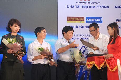 Xuc dong le trao hoc bong 'Nang buoc thu khoa' - Anh 8