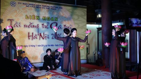 Khai mac Lien hoan Tai nang tre ca tru Ha Noi nam 2016 - Anh 1