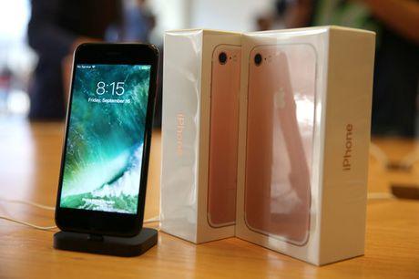 "Apple ""am muu"" du nguoi dung mua iPhone moi - Anh 1"