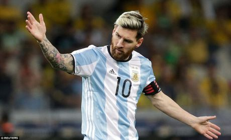Messi bi co lap tai tuyen Argentina trong tran thua Brazil 0-3? - Anh 3