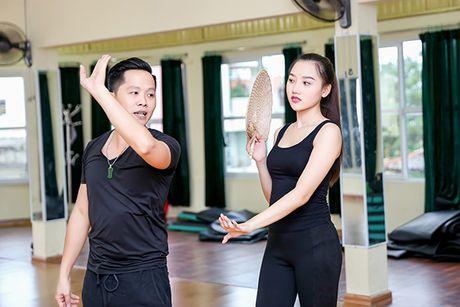 A hau Thu Thao tap mua cho phan thi tai nang Hoa hau chau A-Thai Binh Duong 2016 - Anh 2