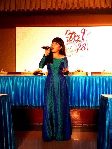 Chuong trinh Duyen dang Viet Nam 28 dam da sac xuan tai ngo khan gia - Anh 4
