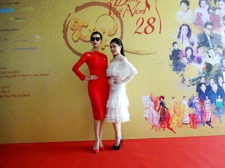 Chuong trinh Duyen dang Viet Nam 28 dam da sac xuan tai ngo khan gia - Anh 7
