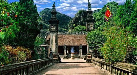Dinh Tien Hoang tu coi la cua tren khien phuong Bac buc doc - Anh 1
