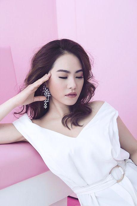 Luong Bich Huu tro lai ngoan hien sau 1 nam noi loan - Anh 3