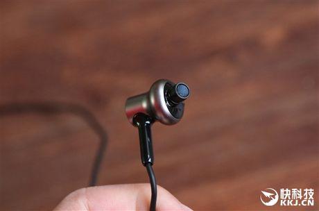 Can canh tai nghe Xiaomi Piston 3 Pro vua ra mat - Anh 6