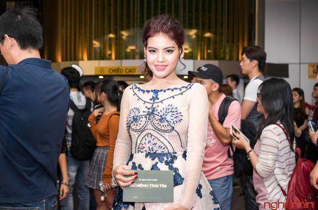 Angela Phuong Trinh goi cam du ra mat 'Su menh trai tim' - Anh 5