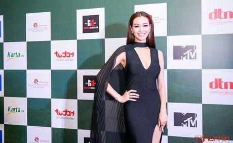 Angela Phuong Trinh goi cam du ra mat 'Su menh trai tim' - Anh 8