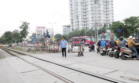 Canh bao ATGT duong sat: Som khac phuc nhung lo hong - Anh 1
