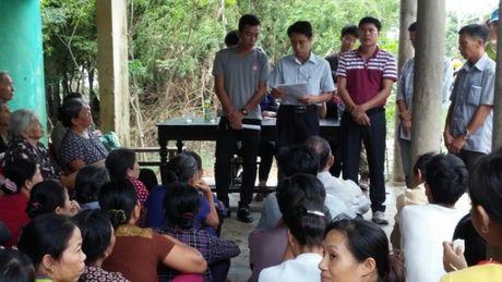 Can bo, nhan vien, CNLD KCN Quang Minh huong ve dong bao mien Trung - Anh 4