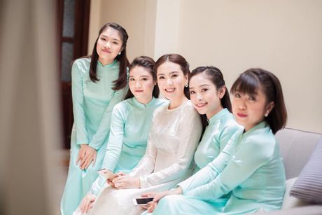 MC Mai Ngoc chon style thap nien 60 cho ngay an hoi - Anh 3