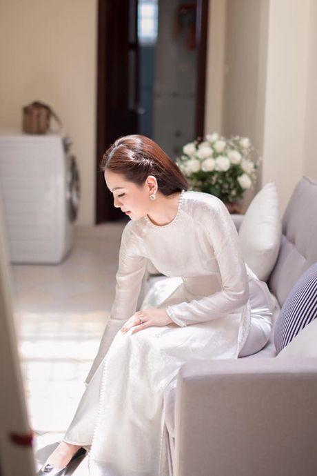 MC Mai Ngoc chon style thap nien 60 cho ngay an hoi - Anh 4