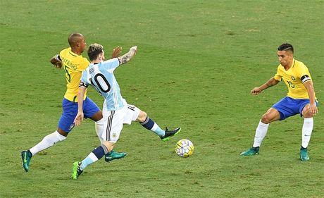 Brazil 3-0 Argentina: Neymar dai thang khi doi dau Messi - Anh 2