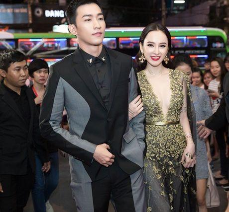 Vo Canh va Angela Phuong Trinh nam chat tay nhau khong roi - Anh 2