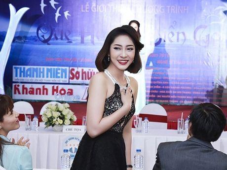 Hoa hau Dai duong Dang Thu Thao tham gia chuong trinh 'Que huong bien goi' - Anh 1