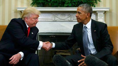 Nhung khoanh khac doi mat kho xu giua ong Trump va ong Obama - Anh 1