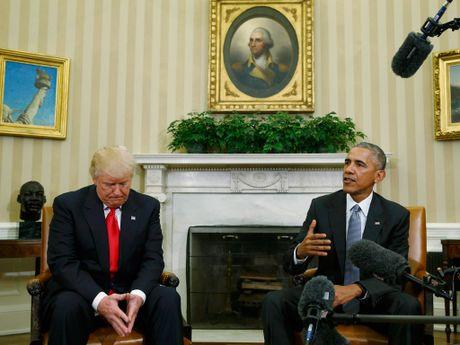 Nhung khoanh khac doi mat kho xu giua ong Trump va ong Obama - Anh 3