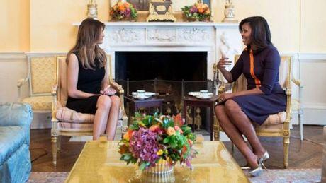 Nhung khoanh khac doi mat kho xu giua ong Trump va ong Obama - Anh 7
