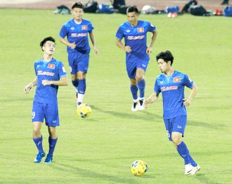 Truoc tran gap Avispa Fukuoka FC, tuyen VN tap ghi ban - Anh 1