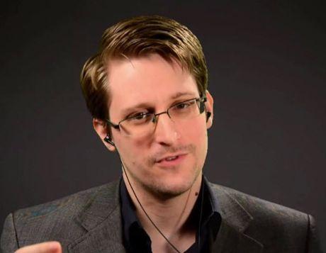Edward Snowden noi ve viec Trump lam Tong thong My: 'Dung cam ghet, hay cai tien' - Anh 1