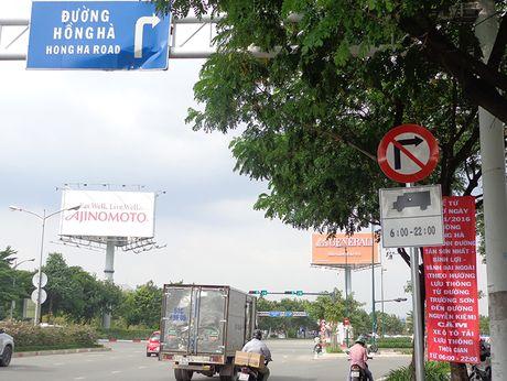 Tu 12-11, cam o to tai luu thong tren duong Hong Ha - Anh 1