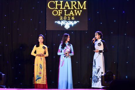 'Co dong xinh dep' tro thanh hoa khoi Dai hoc Luat Ha Noi - Anh 5