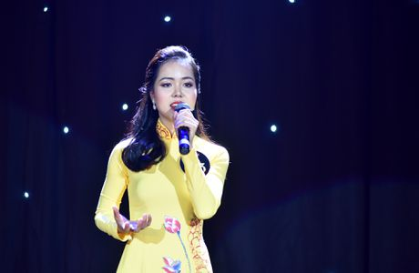 'Co dong xinh dep' tro thanh hoa khoi Dai hoc Luat Ha Noi - Anh 6