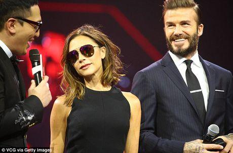 Victoria Beckham thich thu khoe vong ba cua chong - Anh 6