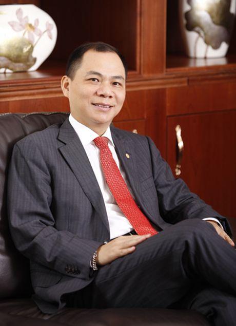 Ong Vuong mat ngoi giau nhat san chung khoan trong vai phut - Anh 1
